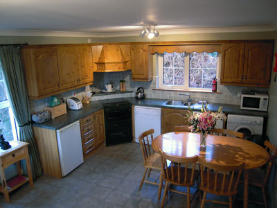 Kitchen - Adrhidibeg Holiday Cottage - Self Catering, Dungloe, Donegal, Ireland