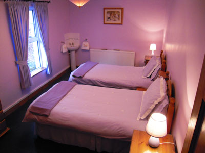 Twin Bedroom - Adrhidibeg Holiday Cottage - Self Catering, Dungloe, Donegal, Ireland